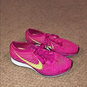 Nike size 7 hot pink